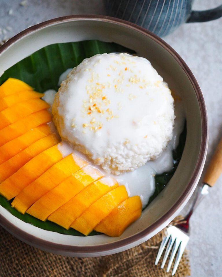 Mango Sticky Rice With Coconut Cream