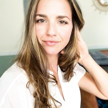 Megan Calipari (@earthlyprovisions)