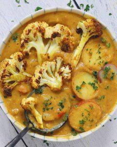 Roasted Cauliflower & Lentil Curry Soup