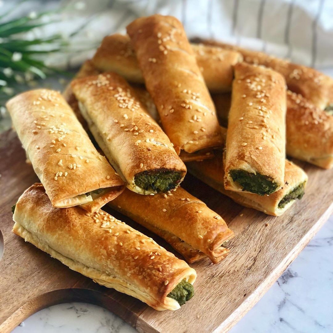 Vegan Spinach & Ricotta Rolls