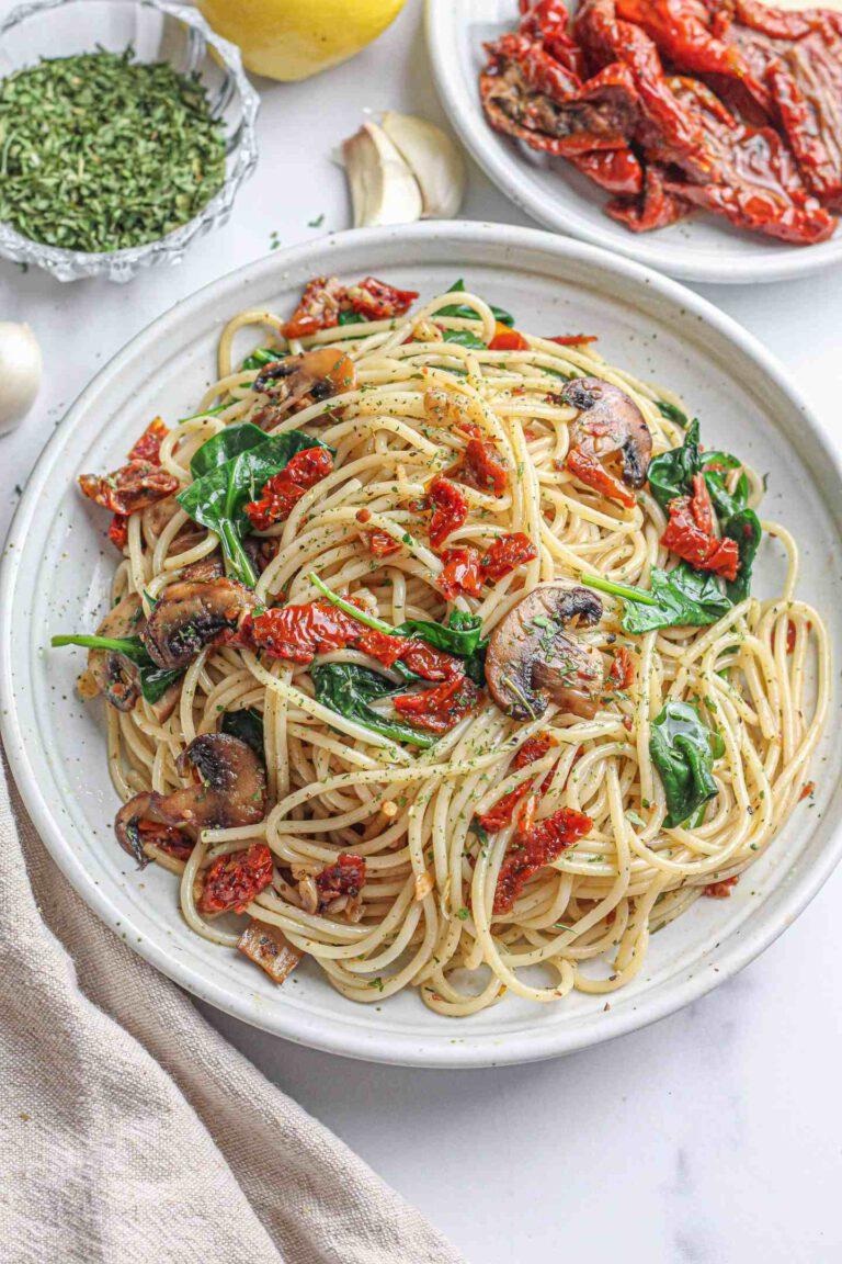 Spinach & Mushroom Spaghetti with Sun-Dried Tomatoes