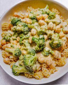 Vegan Cheesy Broccoli & Chickpea Pasta